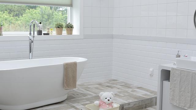 Minimalismus vládne i koupelnám