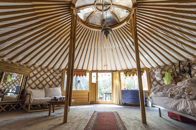 jurtová místnost