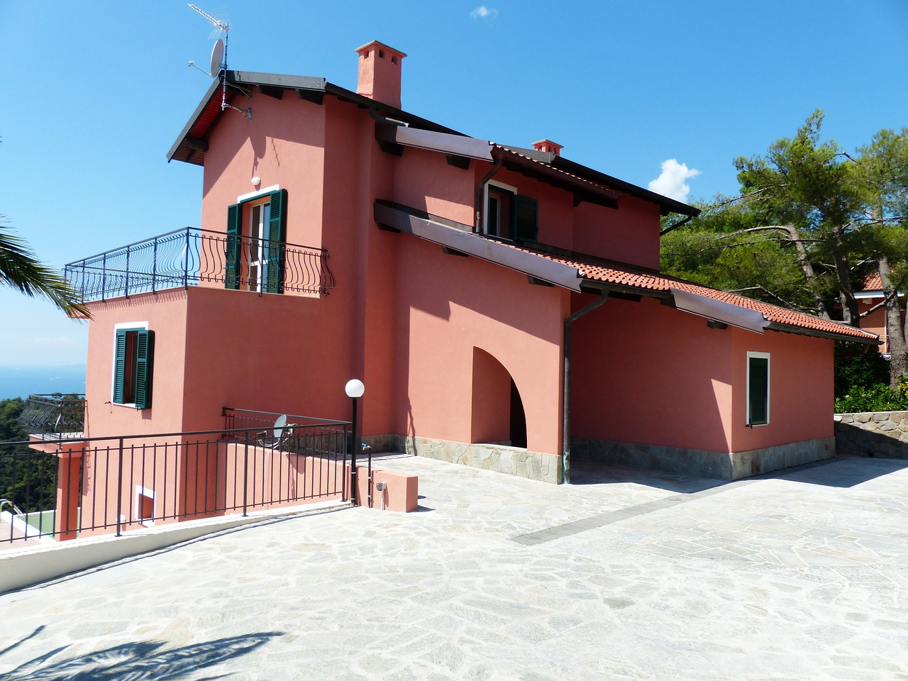 villa-186364_1280